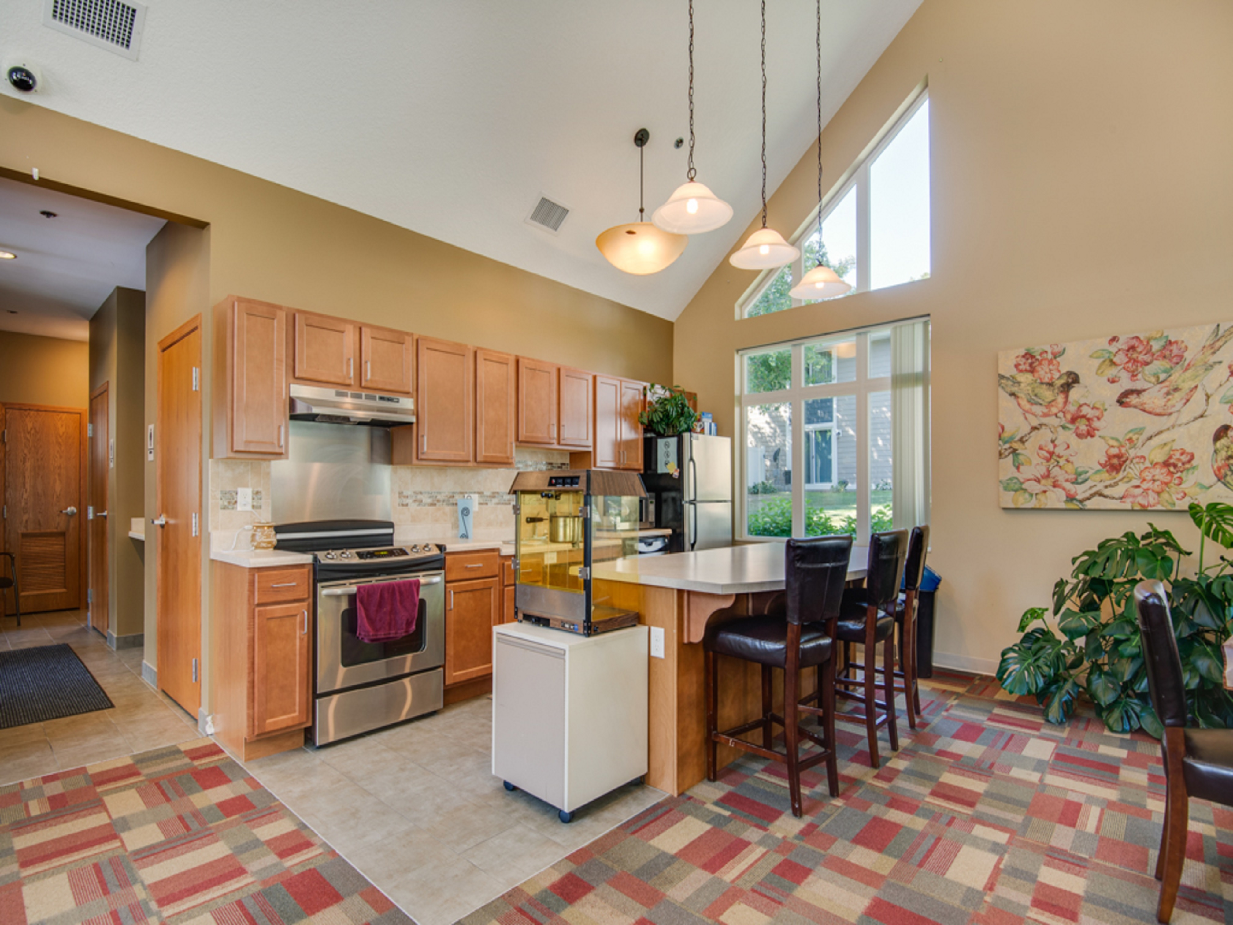 Charmant Charter Oaks Leasing Office Kitchen