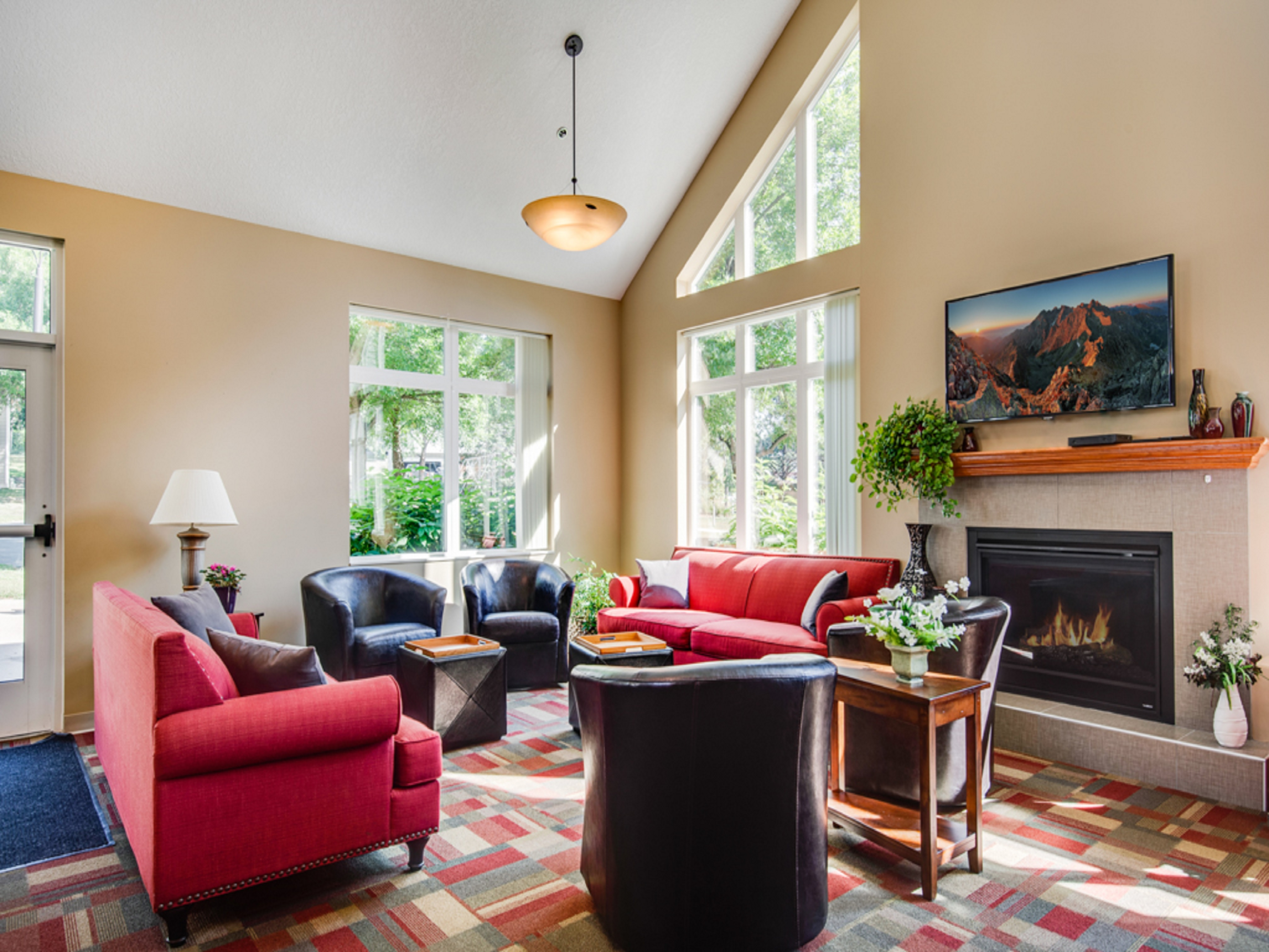 Ordinaire Charter Oaks Leasing Office TV Area